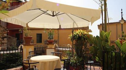 Castelmola-taormina, Accogliente, Pratica ed Elegante