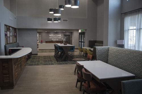Hampton Inn & Suites Portland West