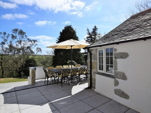 Outdoor Dining, Nanplough Country House and Cottages