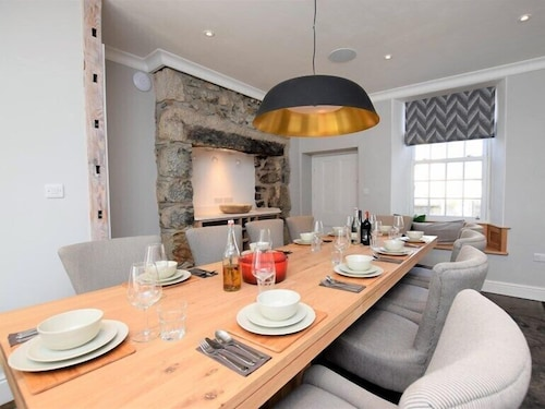 In-Room Dining, Nanplough Country House and Cottages