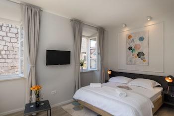 Apartments Urbis