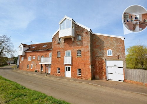 Butley Mill - Three Bedroom Apartment, Sleeps 6