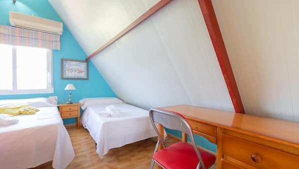 2 dormitorios, escritorio, wifi gratis y ropa de cama