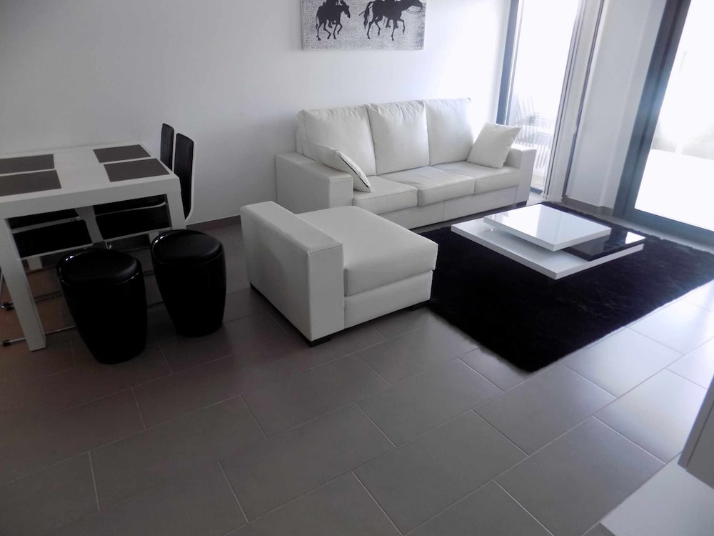 Living Room, Oasis Beach F5004 LA Zenia