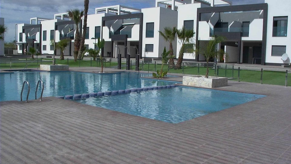 Pool, Oasis Beach F5004 LA Zenia