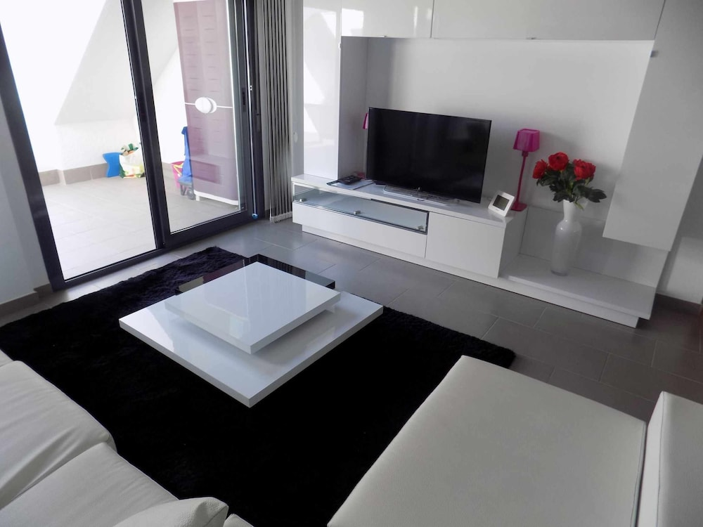Room, Oasis Beach F5004 LA Zenia