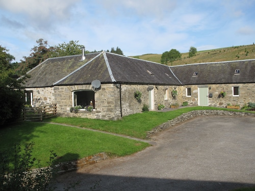 Charming Steading Conversion in Rural Scotland. Self Catering, Sleeps 6