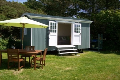 Shepherds Hut by the sea St Ives Bay, Gwithian, Stunning Location