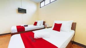 Hypo-allergenic bedding, free WiFi