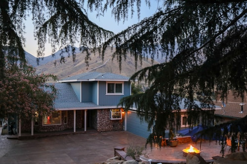 Beautiful Kernville Mountaintop Hideaway - Walking Distance to Downtown!