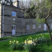 A Relaxing Stay on the Private Harewood Estate in Mulberry Cottage