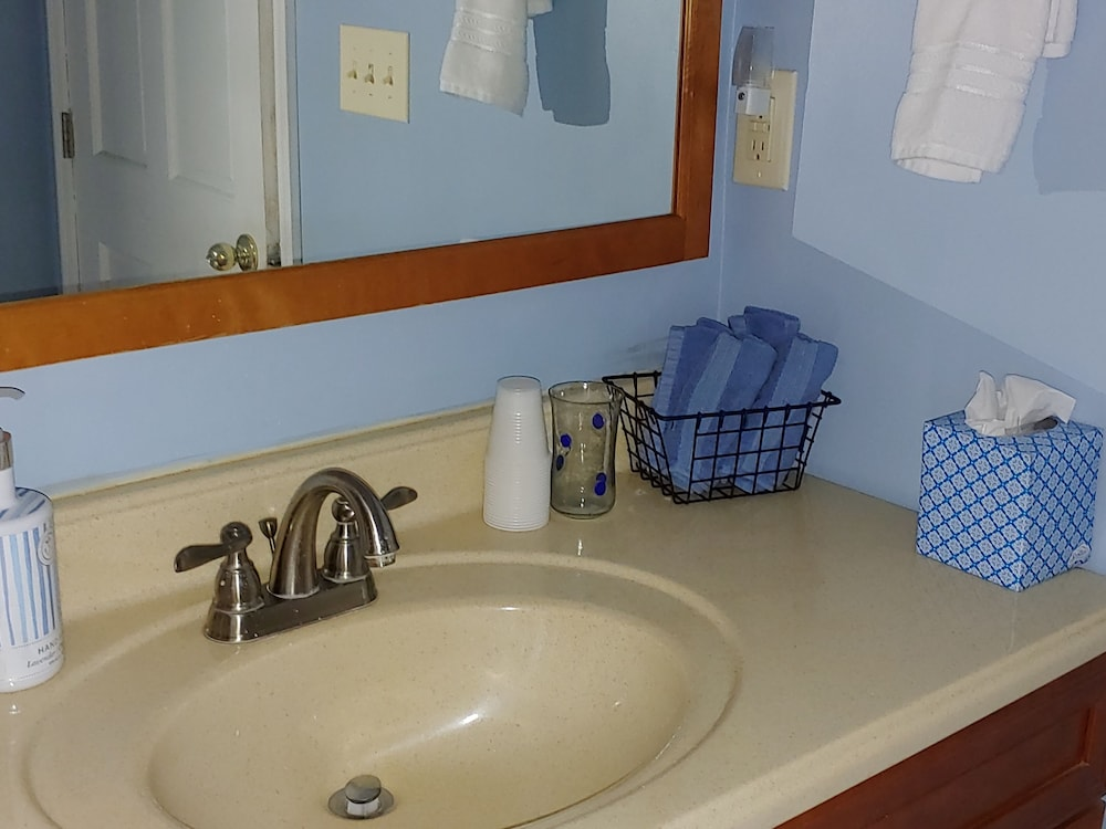 Bathroom, Hidden Creek Rental!