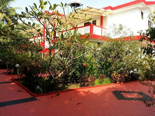 3 BHK Tranquil Villa ē Pool Near to Vagator Beach