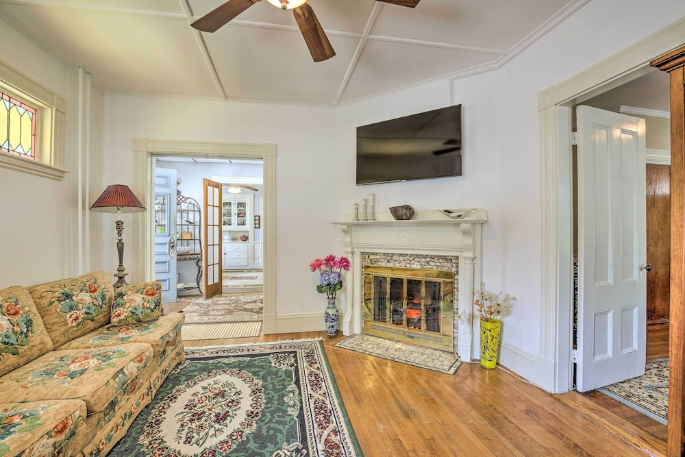 Living Room, Quaint Beverly Townhome: Walk to Beach & Downtown!
