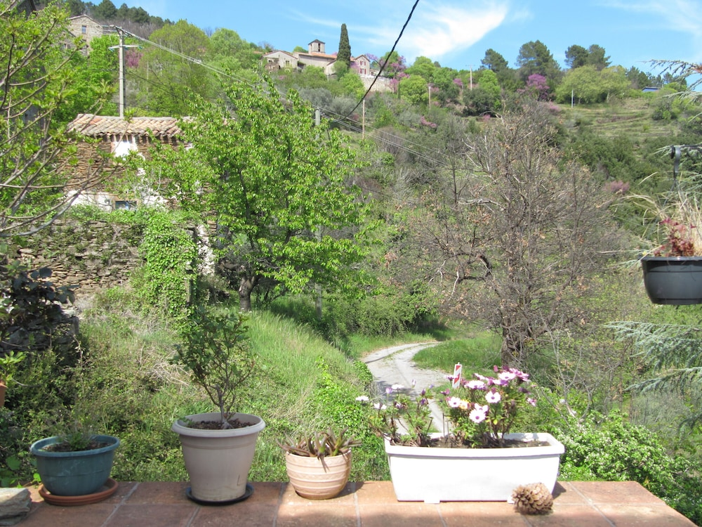 Property Grounds, Peaceful House in Ardèche
