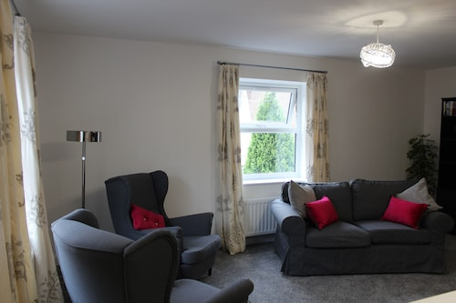 Luxury 2 bed Apartment in the City of Ripon, Close to the Cathedral With Parking