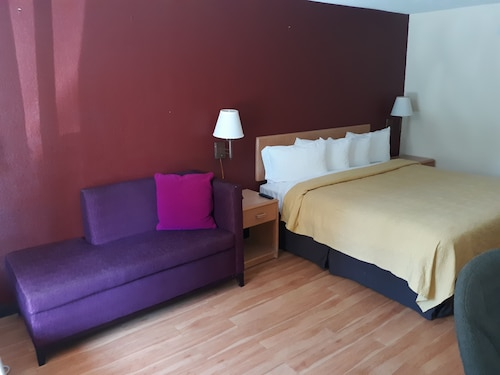 OYO Hotel Phenix City Central