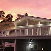 Sunsets IN Ocean Beach Park: 6 Queen Beds With $1million View OF THE Atlantic!