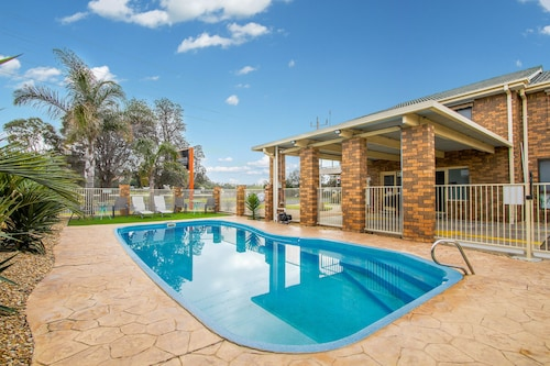 Hybiscus Waterfront Apartments