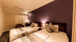 Egyptian cotton sheets, premium bedding, free WiFi, linens