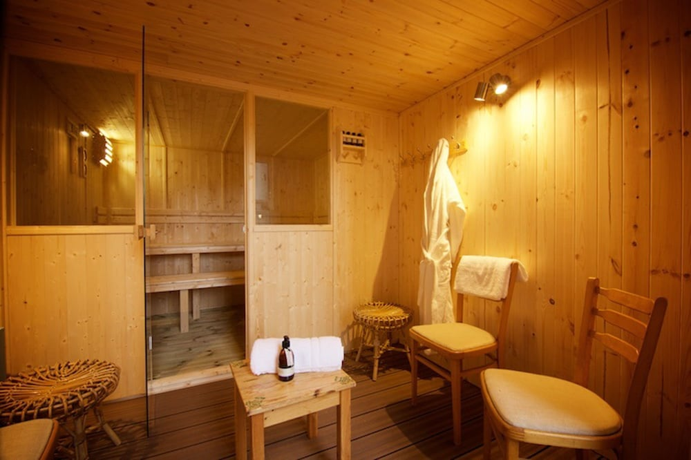 Sauna, Salmon Run Lodge