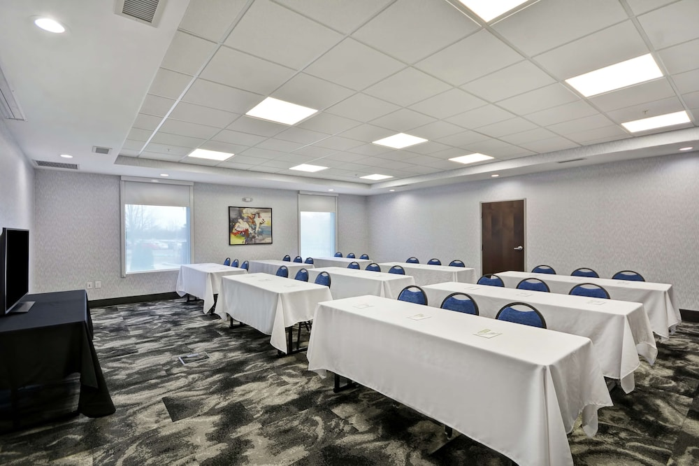 Meeting Facility, Home2 Suites by Hilton Grand Rapids North
