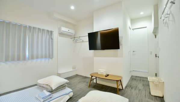 In-room safe, laptop workspace, free WiFi, linens