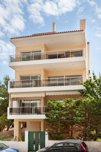 Lovely Apartment in Rafina