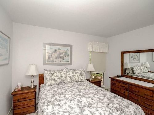 Room, 3206 Round Robin Way - 3 Br Townhouse