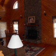 Magnolia at Blairsville 2 Bedroom Cabin