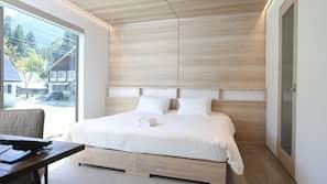 3 間臥室、房內夾萬、設計自成一格、家具佈置各有特色