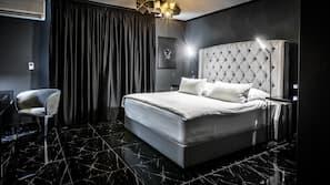 1 Schlafzimmer, Allergikerbettwaren, Zimmersafe, Verdunkelungsvorhänge