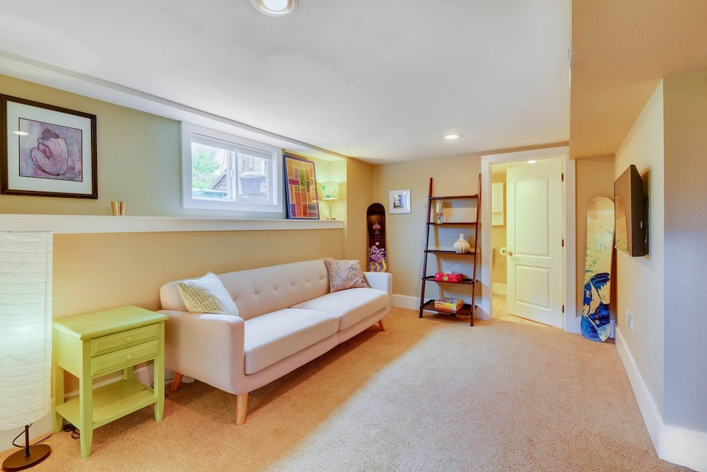 Classic Seattle Craftsman W/private Back Patio & Large