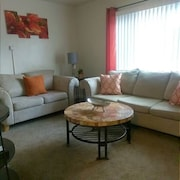 Furnished 1 BED Apartment - Midtown - Super Clean & Cute !