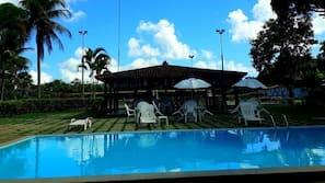 2 piscinas externas, piscina natural
