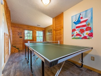 A Blissful Retreat - 2br/2ba - Sleeps 6, Gatlinburg - Pigeon