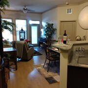 Davidson,cornelius,huntersville, Executive Suite $129+
