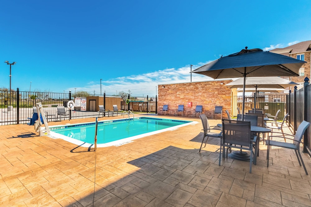 Pool, Fairfield Inn & Suites by Marriott Corpus Christi Central
