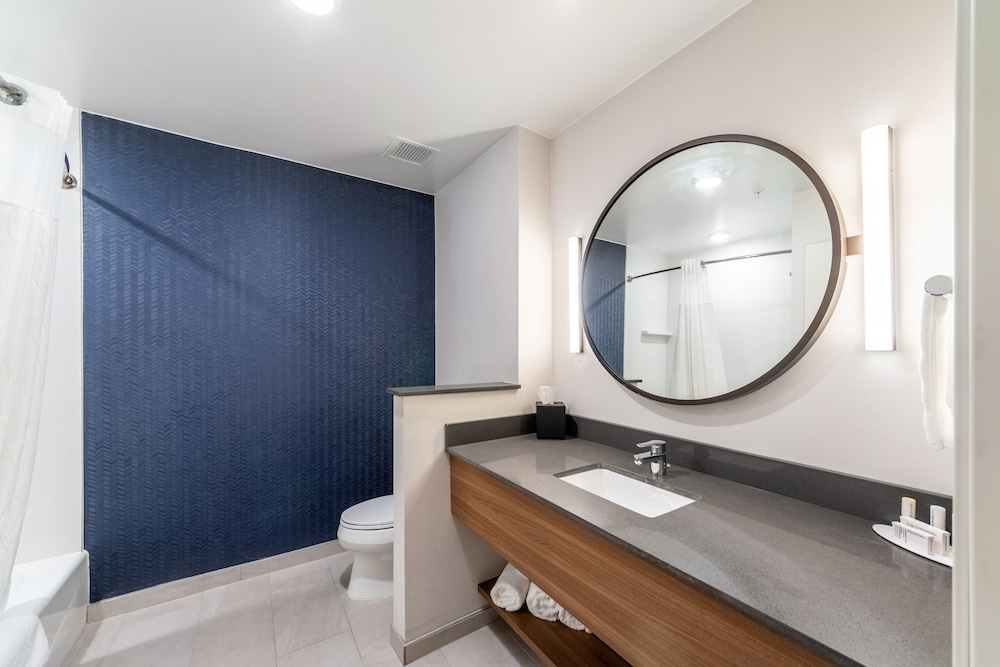 Bathroom, Fairfield Inn & Suites by Marriott Corpus Christi Central