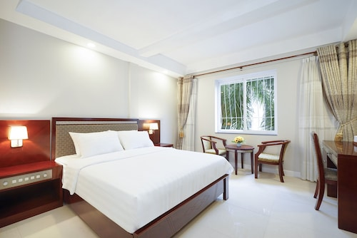 Sunshine Boutique Hotel Phu My Hung