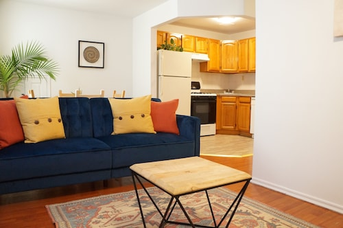 La Familia 4BR 2baths 10 Minutes to Manhattan