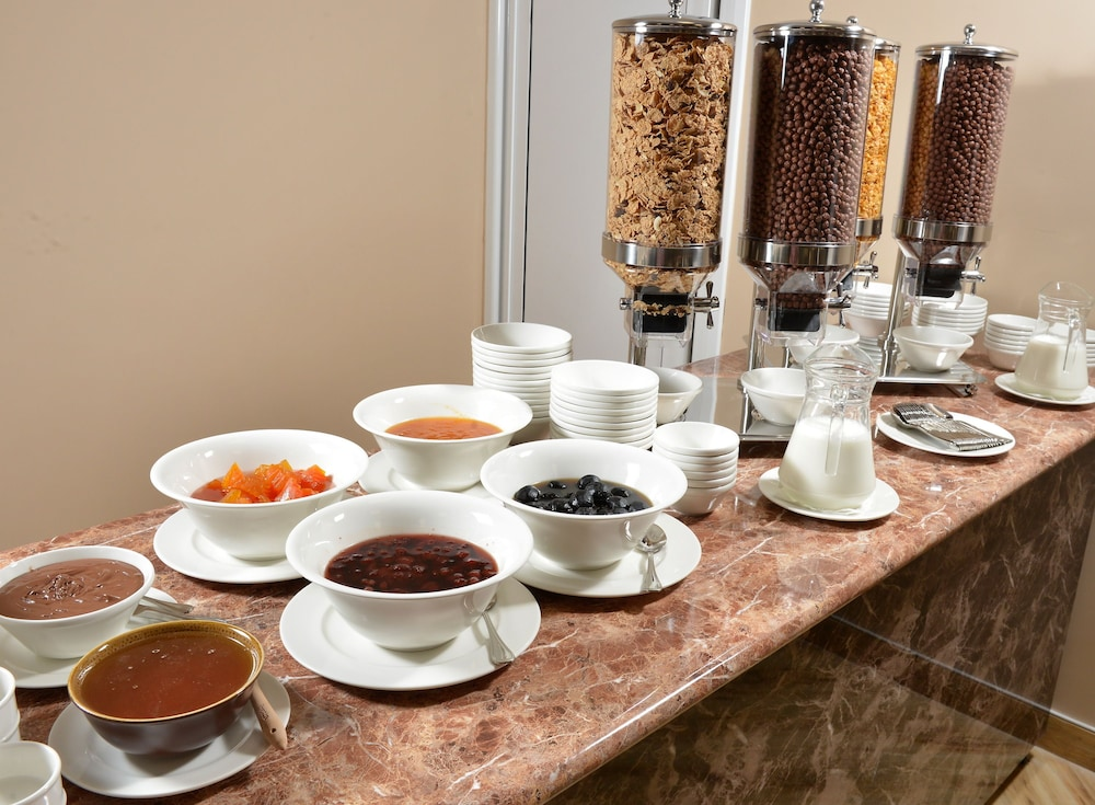 Breakfast buffet, Ani Grand Hotel Yerevan