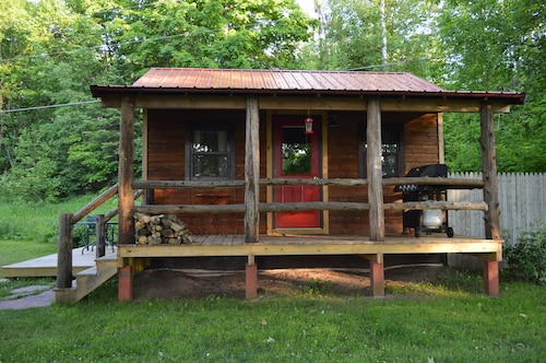 Cozy Rustic Cabin ~ Perfect For A Single Or A Couple ~ Private