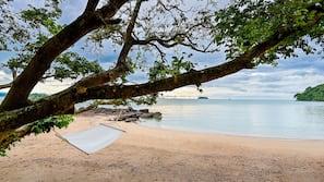 หาดส่วนตัว, ทรายสีขาว, บาร์ริมหาด