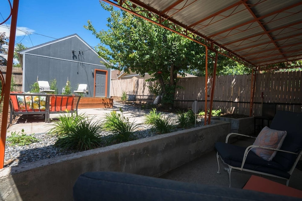 Terrace/Patio, Sunnyside Retro Retreat Private Yard G Line