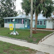 Pet Friendly Home in Heart of Port St Joe