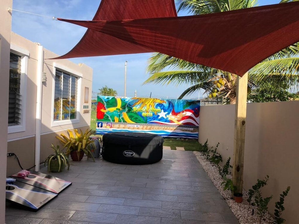 Property Grounds, Quiet Please W/private Pool, 5min Walking Distance to the Beach and Restaurants