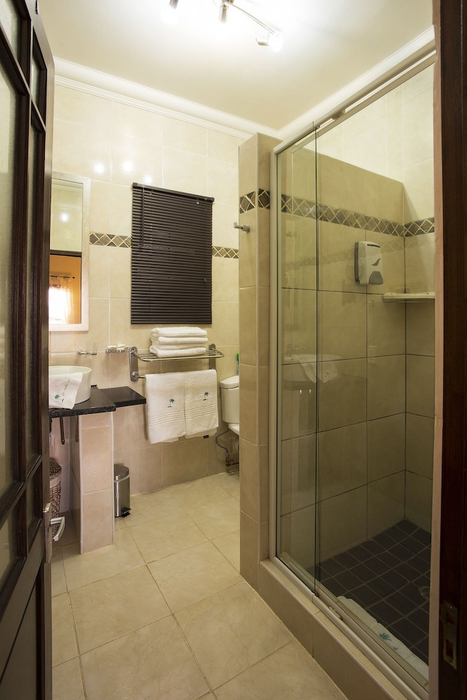 Bathroom, The Royal Palm Bed & Breakfast