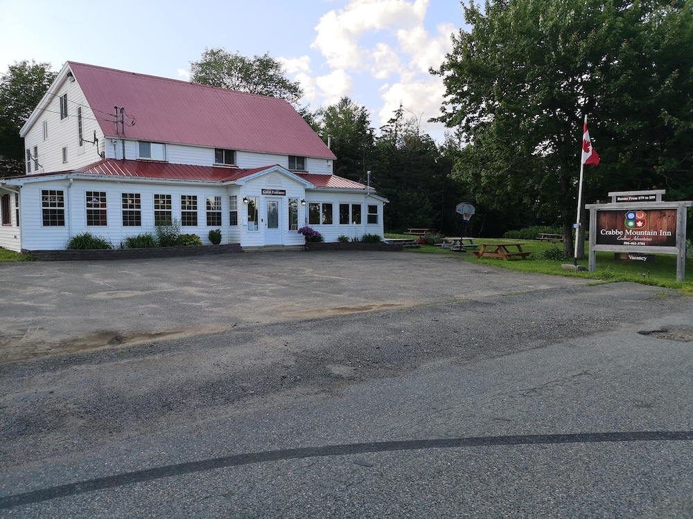 Front of Property, Crabbe Mountain Inn