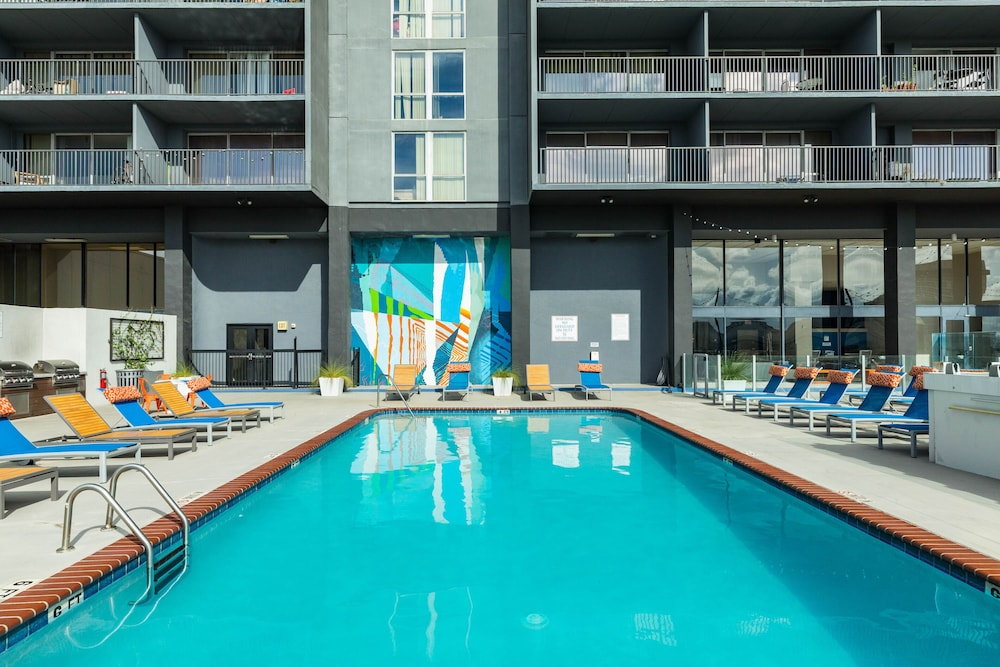 High-rise Studio Condos w/ Shared Pool, gym & Outdoor ...